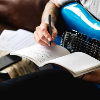 Copyright and Publishing Law: For Musicians and Songwriters ACCREDITED BY CPD