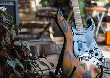 How To Relic A Guitar ACCREDITED BY CPD