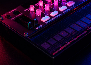 FM8: FM Synthesizer Native Instruments® ACCREDITED BY CPD