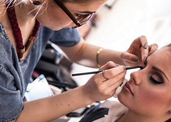 Make-up Artist ACCREDITED BY CPD