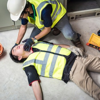 Emergency First Aid at Work  Annual Online Refresher ACCREDITED BY IIRSM